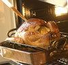 Roast_turkey_cooking_3